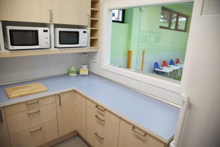 interior cocina guardería txanogorritxu mungia
