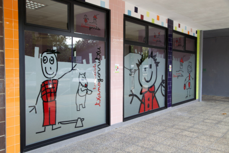 decoración exterior guardería txanogorritxu mungia