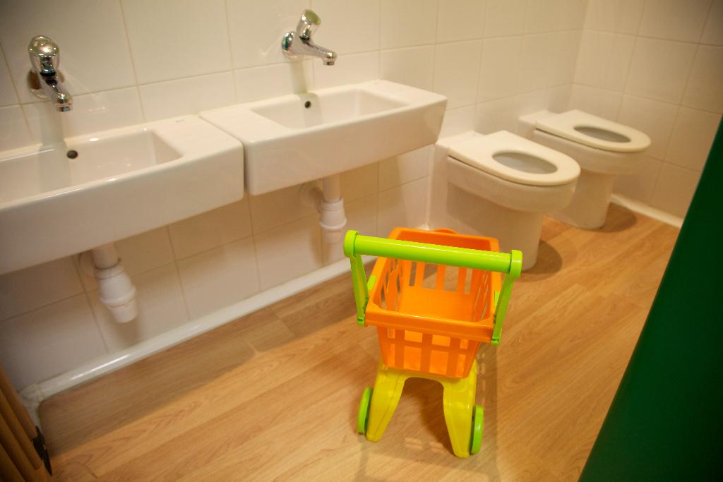 detalle lavabos guardería txanogorritxu las arenas