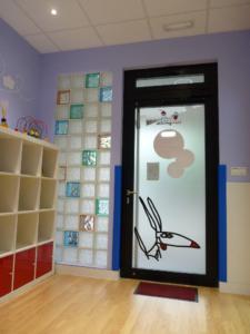 interior entrada guardería txanogorritxu mungia